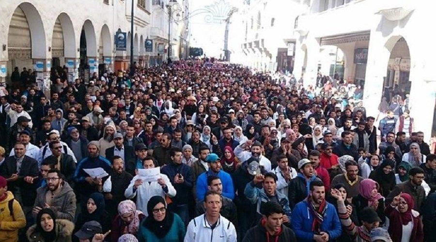 موظفو التعليم يقررون العودة للاحتجاج