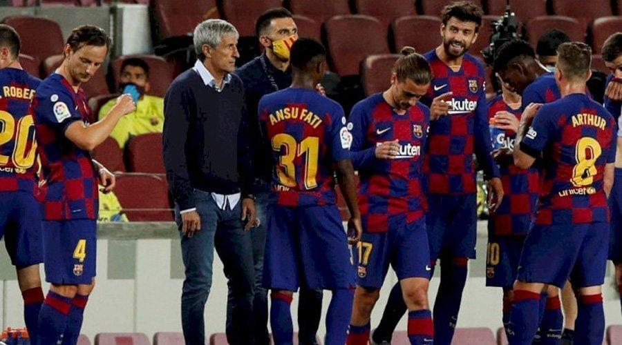 برشلونة يخسر 25 مليارا بسبب خطأ مع شركة ملابس رياضية