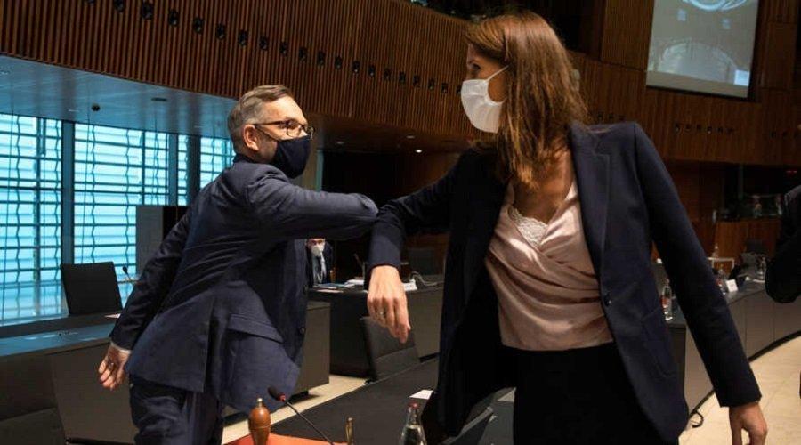 إصابة وزيرين بكورونا بعد اجتماع للاتحاد الأوروبي