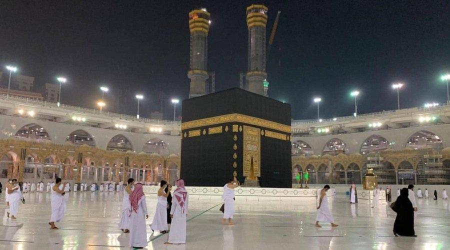 السعودية تعلن استئناف مناسك العمرة تدريجيا بهذه الشروط