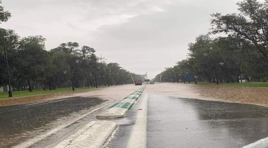 فيضانات بمدن الشمال تعلق الدراسة وتستنفر لجان الانقاذ واليقظة
