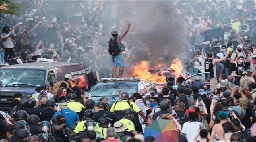 التظاهرات المناهضة للعنصرية بأمريكا تهدد بموجة ثانية لكورونا
