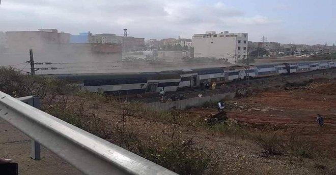 """6 قتلى وعشرات المصابين في حادث انقلاب قطار """"بوقنادل"""""""