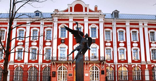 هام للطلبة المغاربة .. كيفية الاستفادة من منح الدراسة بروسيا