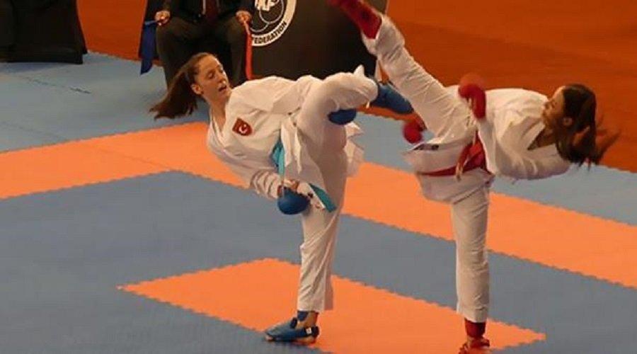 المغربية آية وهرة تحرز ذهبية بطولة العالم للكراطي