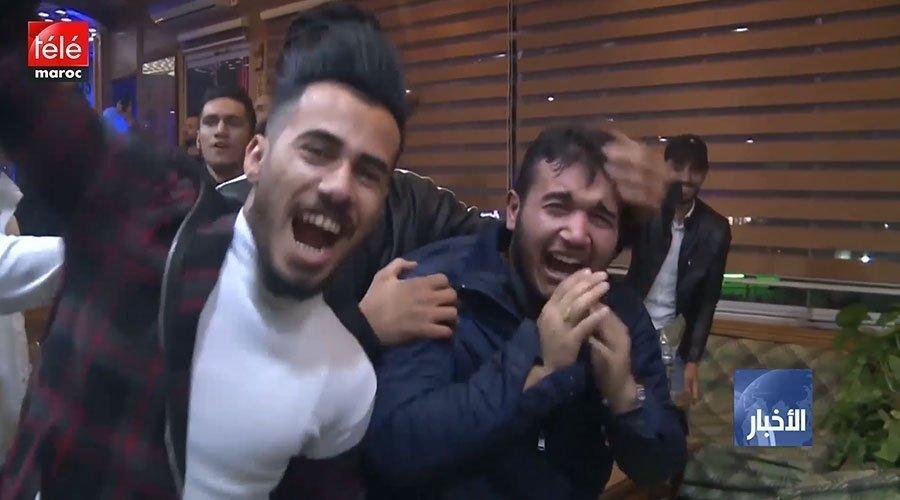 فرحة جماهير المنتخب العراقي بعد الفوز على منتخب الفيتنام في لقاء الجولة 1