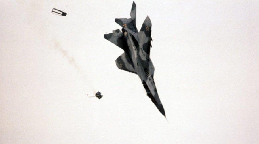 مقتل شخصين في تحطم طائرة عسكرية جزائرية