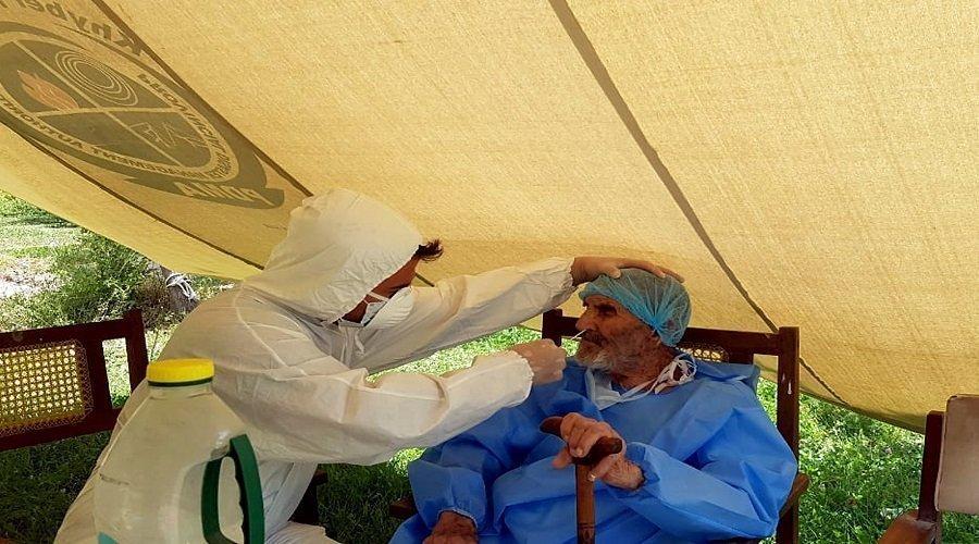 باكستاني عمره 103 سنوات يهزم فيروس كورونا