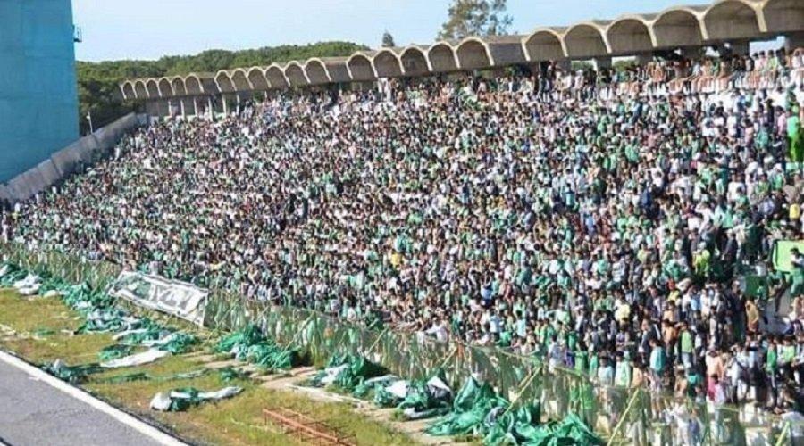 جماهير النادي القنيطري تقتحم حصة تدريبية وتعتدي على اللاعبين والم