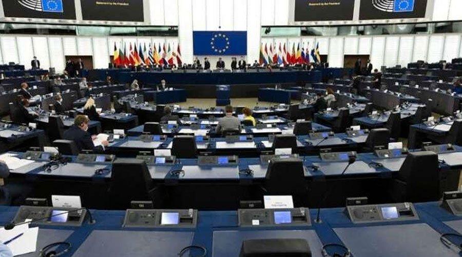 البرلمان الأوروبي يصب الزيت على نار الأزمة  الدبلوماسية
