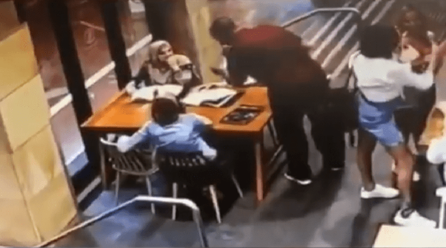 بالفيديو.. اعتداء وحشي على سيدة محجبة حامل بأستراليا