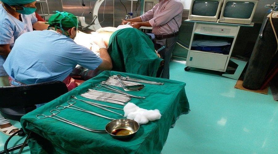 ربان وأطباء متورطون في تهريب أدوية من الخارج والإجهاض السري