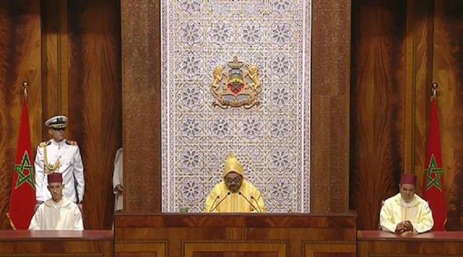 الملك يحث الحكومة وبنك المغرب على دعم الخريجين الشباب