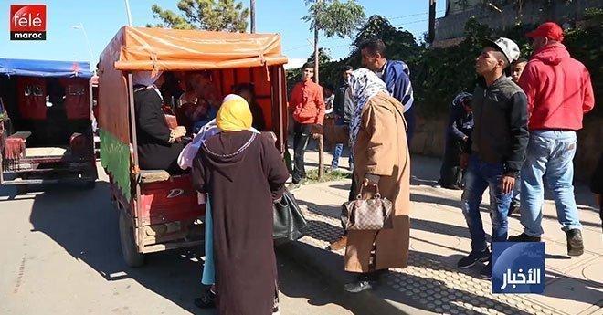 سائقو دراجات ثلاثية العجلات ينتظمون في محطة لنقل المواطنين بسلا