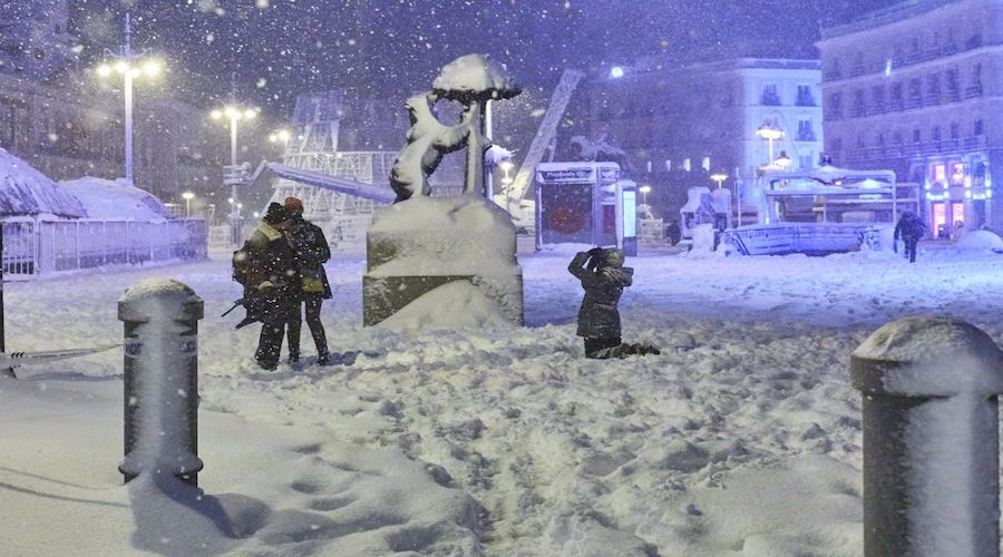 إسبانيا تعلن حالة طوارئ قصوى في كافة أنحاء البلاد