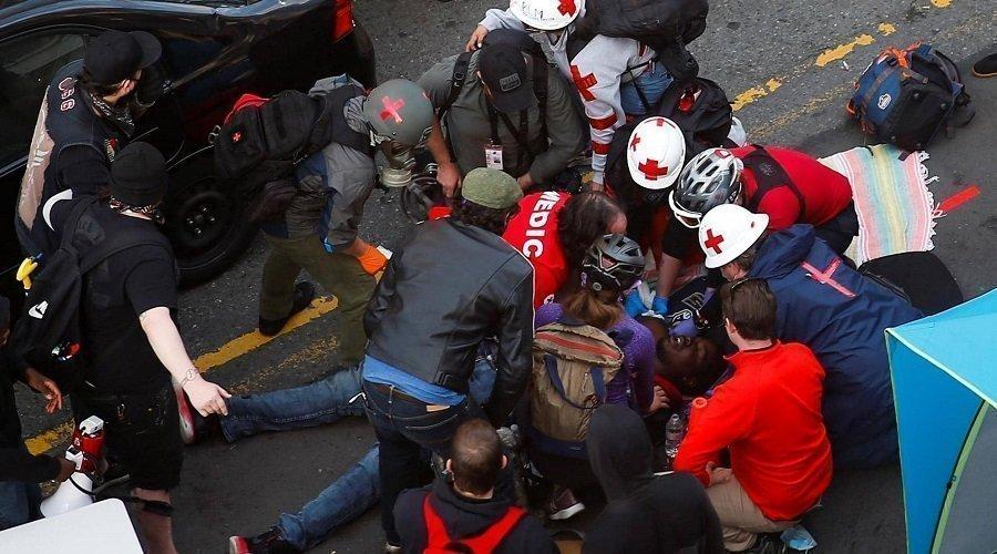بالفيديو.. شخص يدهس محتجين في سياتل الأمريكية ويطلق النار