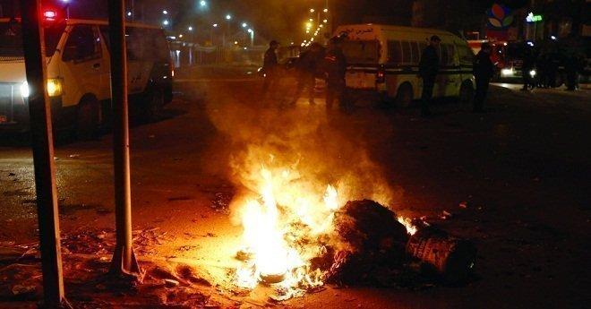 أعمال الشغب تتسع بتونس لتشمل 11 ولاية.. واعتقال أزيد من 230 شخصا