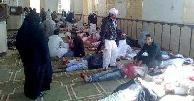 ارتفاع حصيلة القتلى في الهجوم على مسجد سيناء إلى 235 قتيلا
