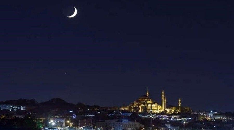 دولة عربية تعلن رسميا أول أيام عيد الفطر