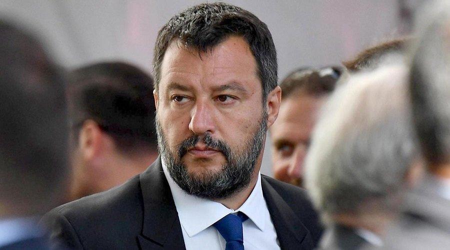 إحالة وزير الداخلية الإيطالي السابق على القضاء بسبب المهاجرين