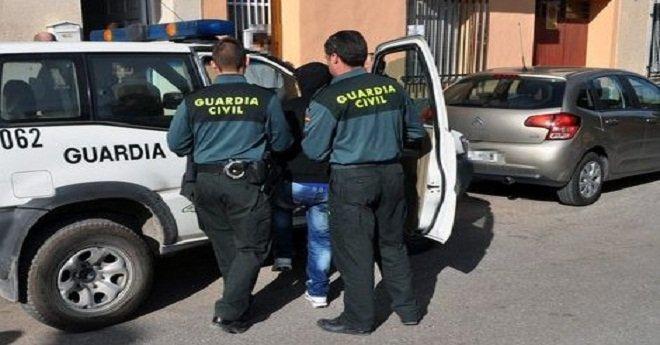 """إسبانيا تطرد مغربيا بسبب التحريض على """"كره المسيحيين"""""""