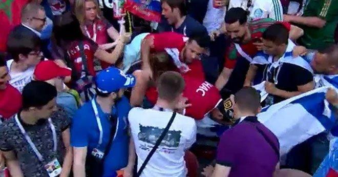 فيديو .. شجار بين الجماهير أثناء لقاء المغرب والبرتغال بسبب العلم الإسرائيلي