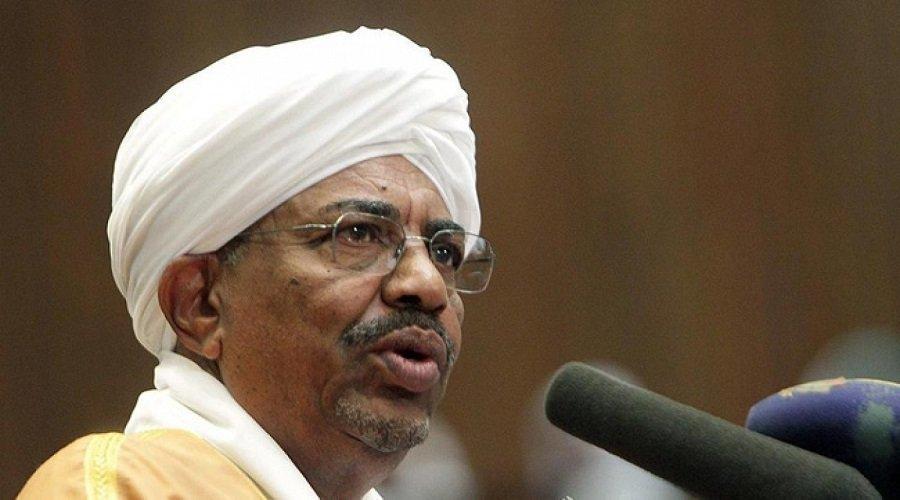 أحزاب متحالفة مع حكومة الرئيس السوداني تدعوه للتنحي عن منصبه