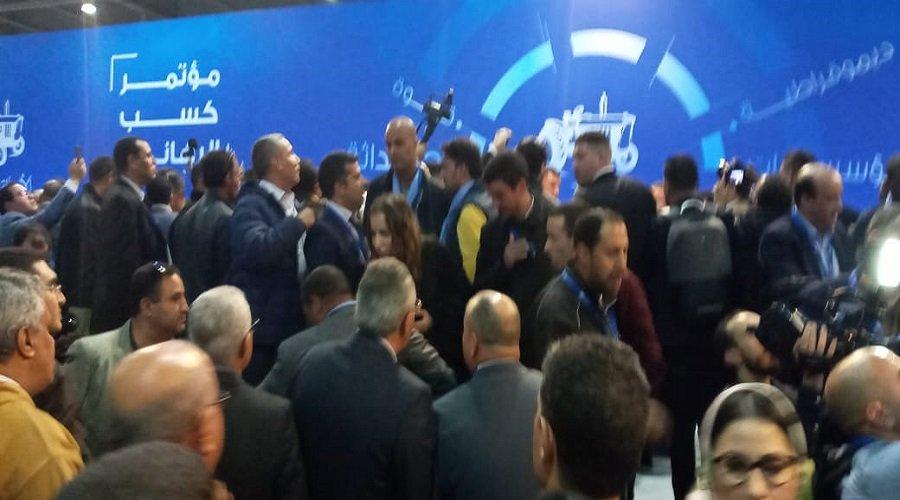 بالفيديو.. اشتباكات وفوضى تفجر مؤتمر البام منذ بدايته وكودار يتهم بنشماس