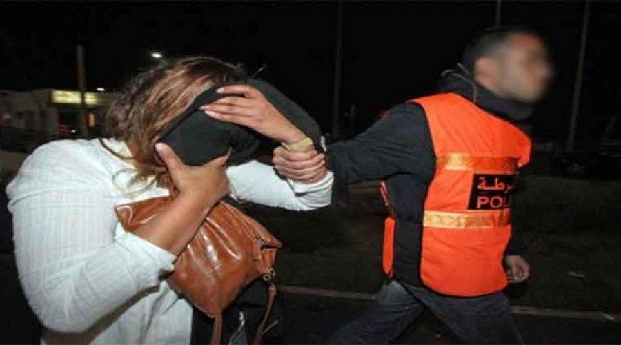 اعتقال امرأة سلمت والدتها المسنة لعشيقها من أجل اغتصابها وقتلها