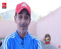 عبد الرحمان.. مدرب يوجّه لاعبيه من فوق كرسيّه المتحرك