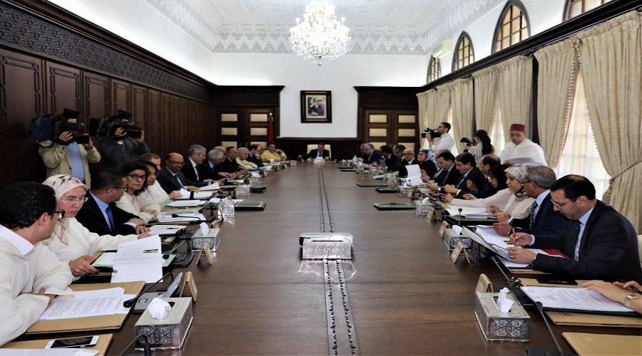 هذه أسماء الوزراء المغادرين لحكومة العثماني