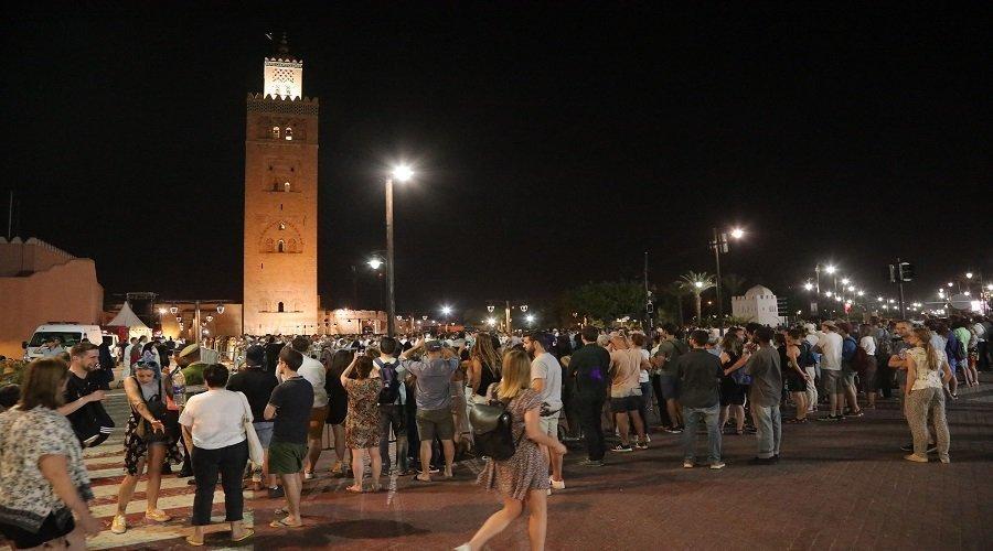 صلاة التروايح بمسجد الكتبية بمراكش تجلب أنظار السياح