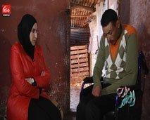 معاناة أب عاجز عن علاج ابنه المقعد الذي يحتاج لعملية جراحية عاجلة