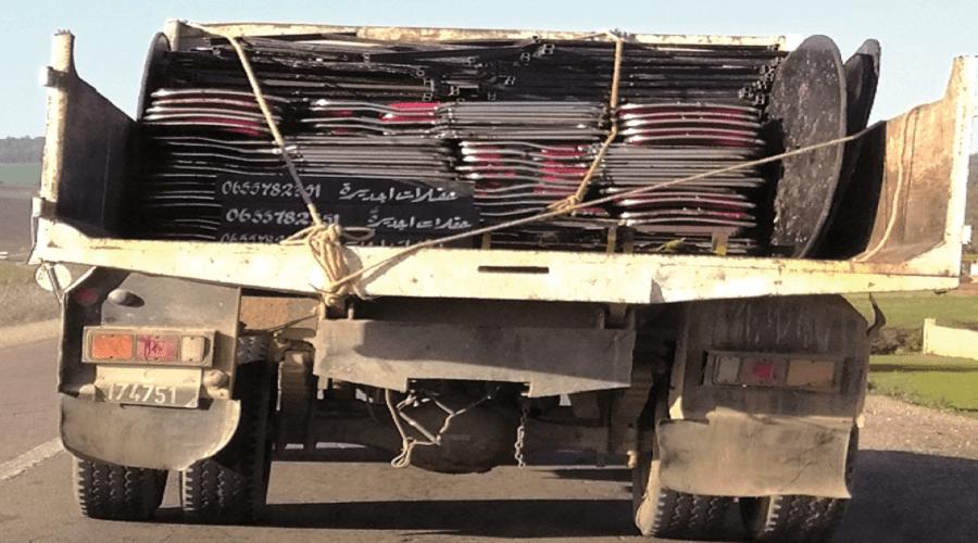 رئيس جماعة يستغل شاحنة البلدية لخدمة مصالح شركته الخاصة (فيديو)