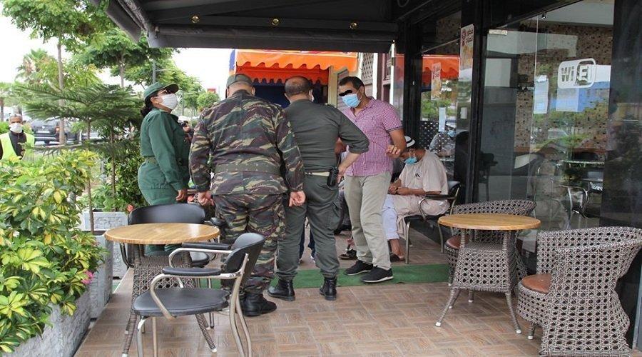الديربي يغلق مقاهي بالدار البيضاء