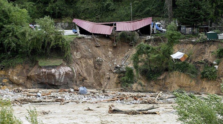 مقتل شخصين وفقدان 25 آخرين في فيضانات بفرنسا وإيطاليا
